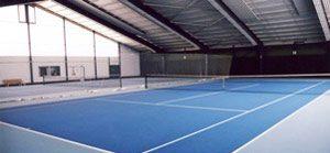 Bild der Tennishalle des TCL innen